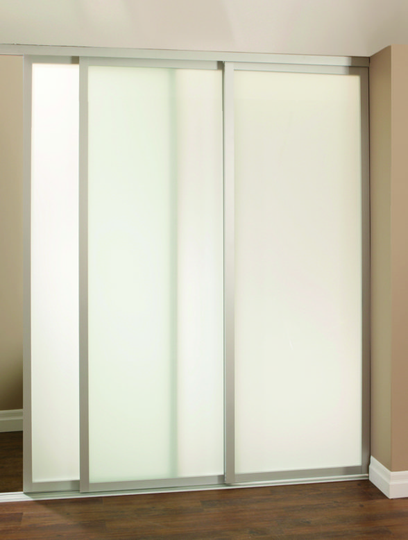 7035-Divider-TopRoll-Aluminum-Lifestyle-Straight