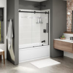 Halo Sliding Tub Door